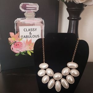 Pearlescent Layer Statement Necklace